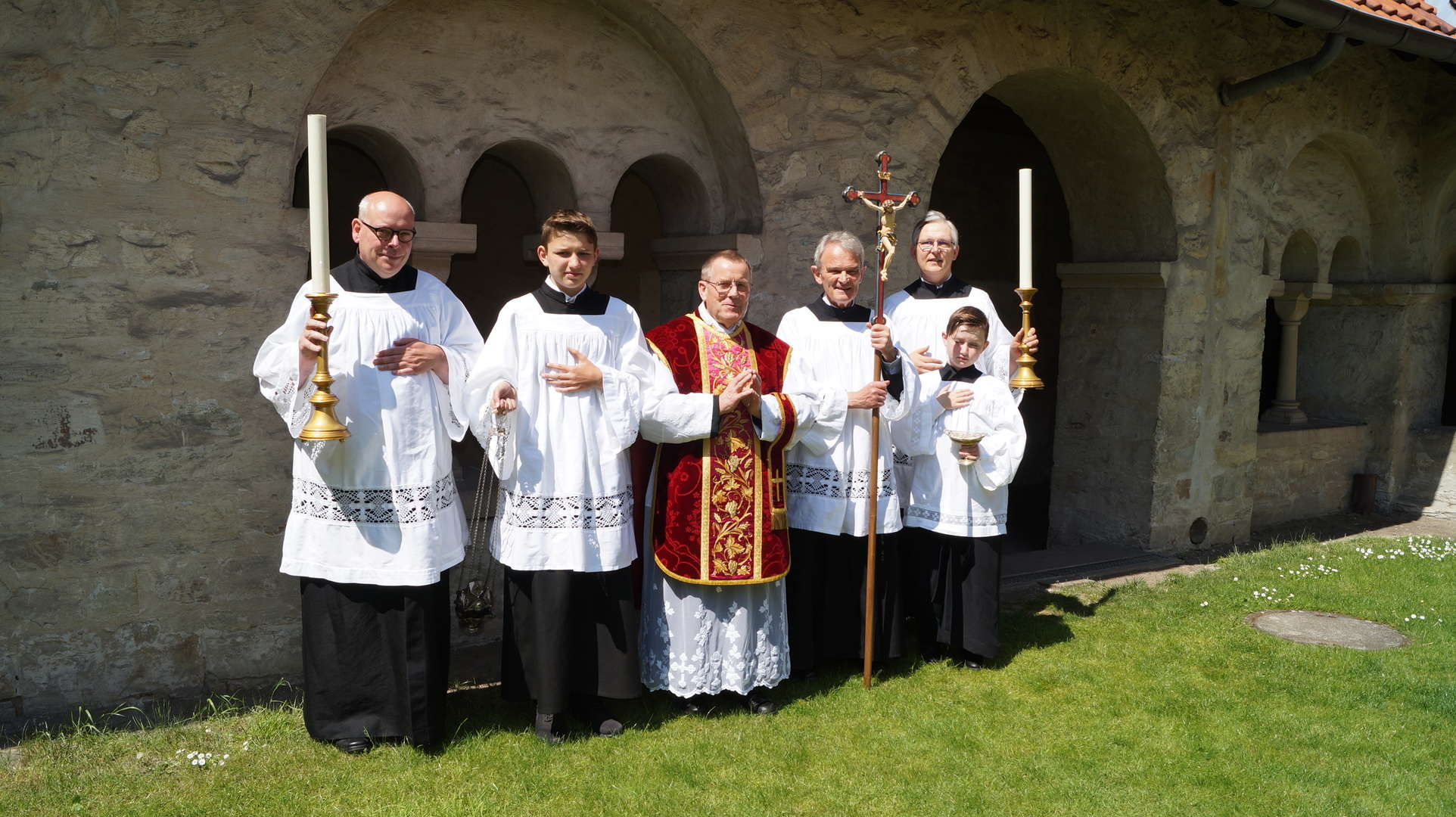 Gruppenbild im Pürting nach der ersten Messe in der Busdorfkirche