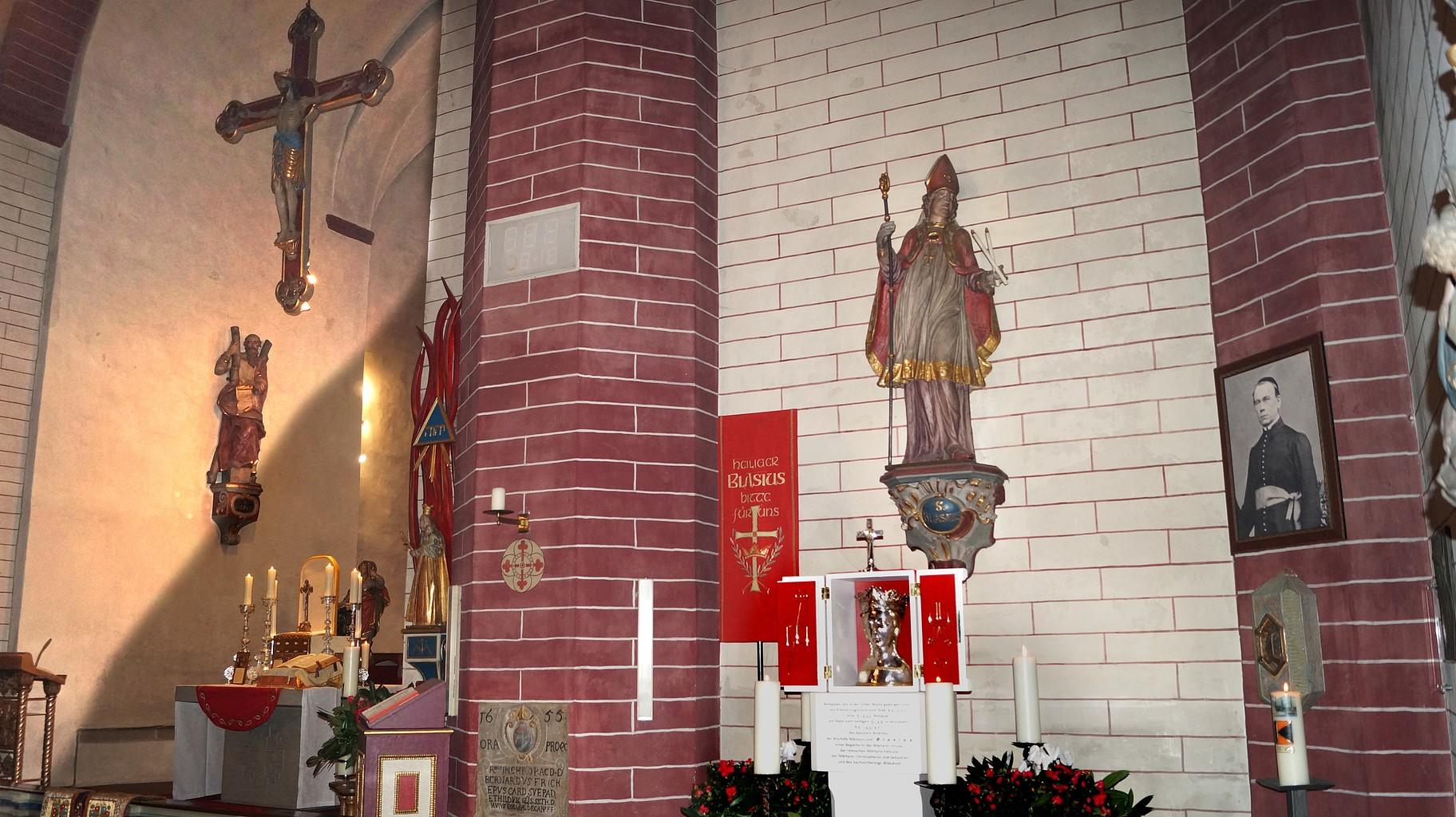Die Blasiusreliquie in der Paderborner Busdorfkirche