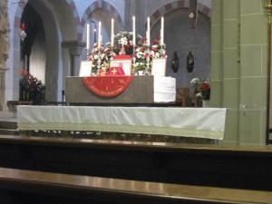 Altar in der Gaukirche zu verschiedenen Festen